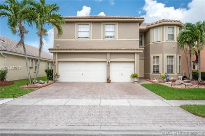 Pembroke Pines Single Family Home For Sale: 1450 SW 164th Ave