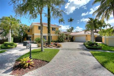 Miami Lakes Single Family Home For Sale: 16731 NW 82nd Ct