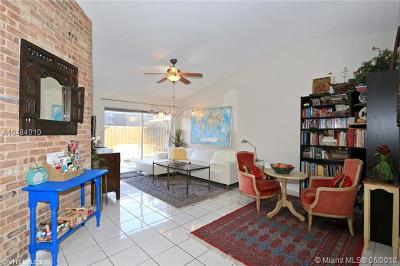 Doral Single Family Home For Sale: 9950 NW 51st Ln