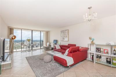 Hollywood Condo For Sale: 2101 S Ocean Dr #2106