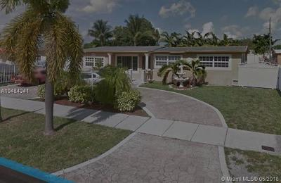 Hialeah Single Family Home For Sale: 5495 W 14th Ln