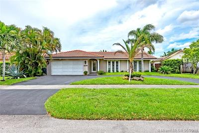 Hollywood Single Family Home For Sale: 4938 Sarazan