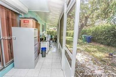 Miami Gardens Single Family Home For Sale: 17234 NW 24th Pl
