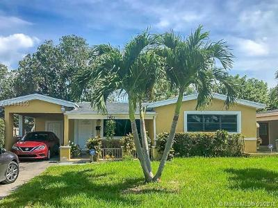 Miramar Single Family Home For Sale: 7421 Madeira St