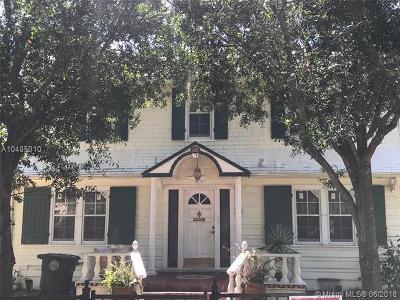 Palm Beach County Single Family Home For Sale: 370 Marlborough Rd