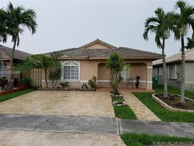 Hialeah Gardens Single Family Home For Sale: 9788 NW 127th St