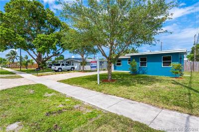 Oakland Park Single Family Home For Sale: 5650 NE 7th Ave