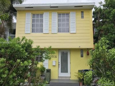 North Miami Condo For Sale: 2205 NE 123rd St #2205