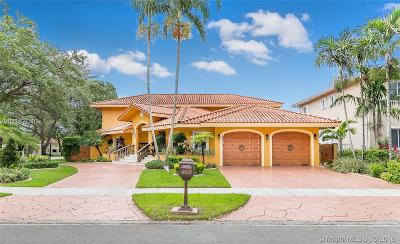 Miami Lakes Single Family Home For Sale: 7900 NW 166th St