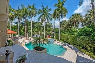 Coral Gables Single Family Home For Sale: 380 Isla Dorada Blvd