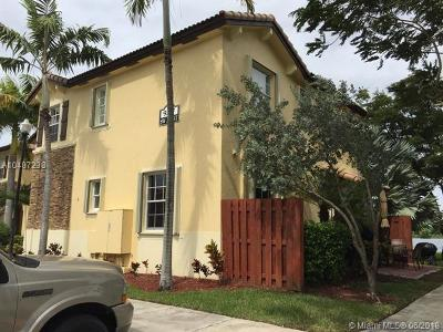 Cutler Bay Condo For Sale: 9227 SW 227th St #6