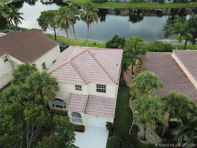 Pembroke Pines Single Family Home For Sale: 15279 NW 7th St