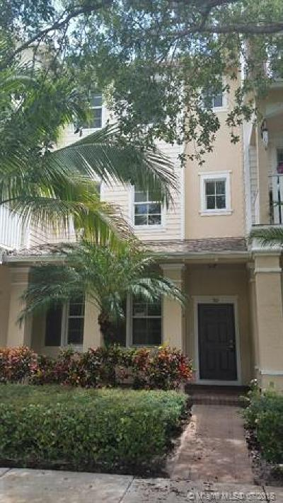 Jupiter Condo For Sale: 335 E Thatch Palm Cir #102