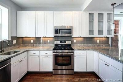 Miami Beach Condo For Sale: 800 West Ave #924