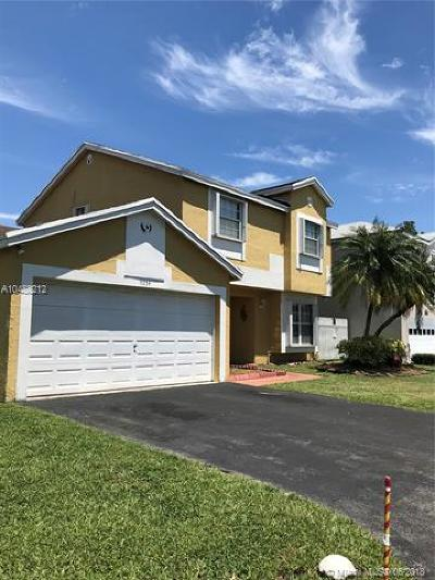 Miami Single Family Home For Sale: 9254 SW 144th Pl