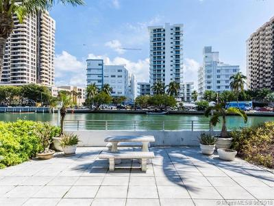 Miami-Dade County Condo For Sale: 2445 Lake Pancoast Dr #Q