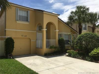 Broward County Single Family Home For Sale: 127 NW 152nd Ln