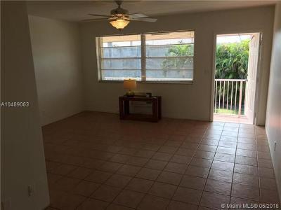 Hollywood Condo For Sale: 2917 Plunkett St #25C
