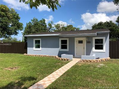 Miami Gardens Single Family Home For Sale: 2280 W Bunche Park Dr