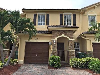 Cutler Bay Condo For Sale: 9287 SW 221st St
