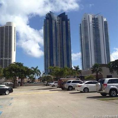 Sunny Isles Beach Condo For Sale: 200 172nd St #306