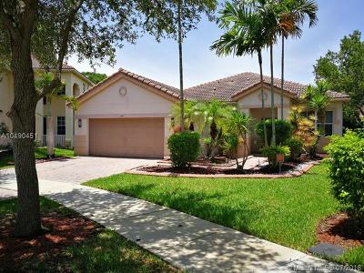 Weston Single Family Home For Sale: 870 Vanda Ter