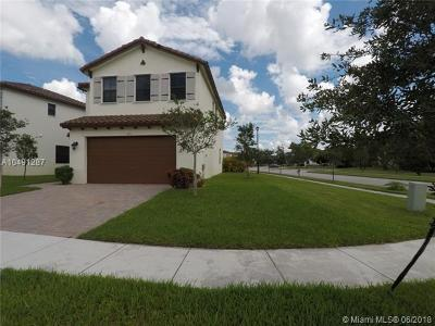 Miramar Single Family Home For Sale: 9351 SW 37th Ct