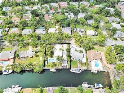 North Miami Single Family Home For Sale: 1835 Keystone Blvd