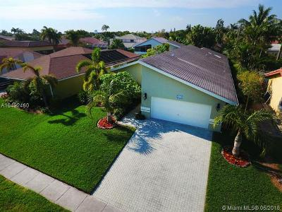 Dania Beach Single Family Home For Sale: 312 SE 5th St