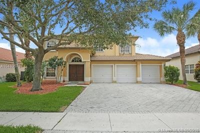Wellington Single Family Home For Sale: 3704 Moon Bay Cir
