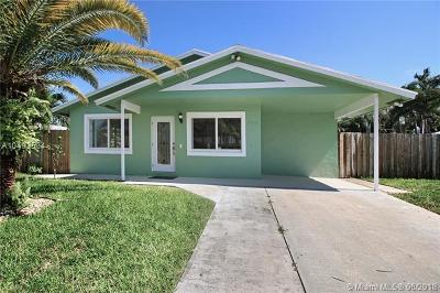 Boynton Beach Single Family Home For Sale: 704 NE 9th Ave