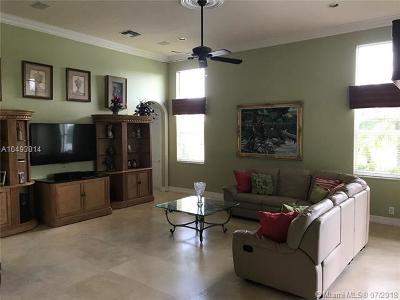 Weston Single Family Home For Sale: 1378 Victoria Isle Dr