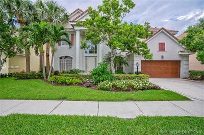 Palm Beach Gardens Single Family Home Active With Contract: 161 Oakwood Ln