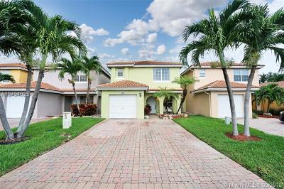 West Palm Beach Single Family Home For Sale: 3331 Blue Fin Dr