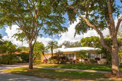 Coral Gables Single Family Home For Sale: 1533 Cecilia Ave