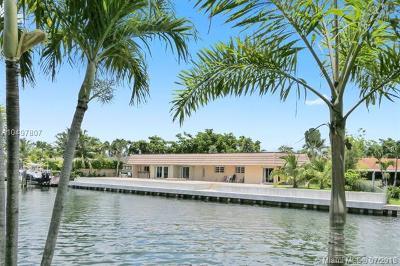 North Miami Single Family Home For Sale: 13255 Keystone Ter