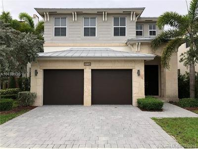 Doral Single Family Home For Sale: 10554 NW 70th Ln