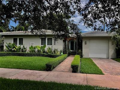 Coral Gables Single Family Home For Sale: 4921 Riviera Dr