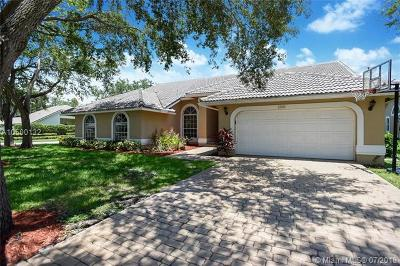 Coral Springs Single Family Home For Sale: 12681 Magnolia Ct