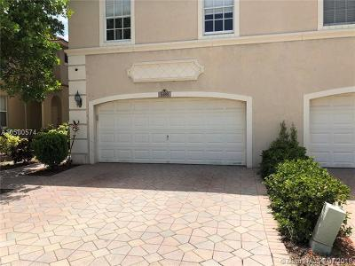 Coconut Creek Condo For Sale: 5189 Stagecoach Dr