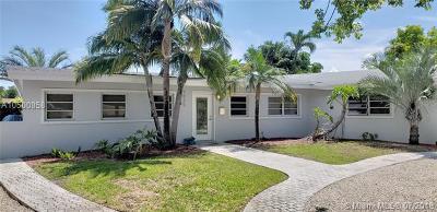 North Miami Single Family Home For Sale: 1825 Keystone Blvd