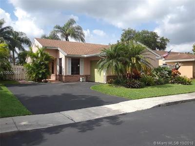 Davie Single Family Home For Sale: 13740 Oak Ridge Dr