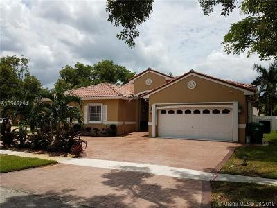 Miramar Single Family Home For Sale: 14854 SW 39th Ct