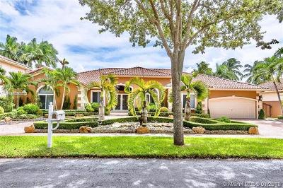 Miami Lakes Single Family Home For Sale: 8340 NW 157th Ter