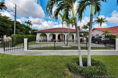 Hialeah Single Family Home For Sale: 5850 W 3rd Ct
