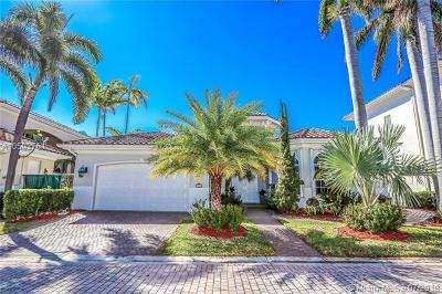 Hollywood Single Family Home For Sale: 912 Manatee Way