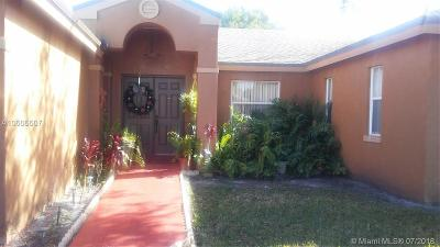 Sunrise Single Family Home For Sale: 5216 NW 94th Ter