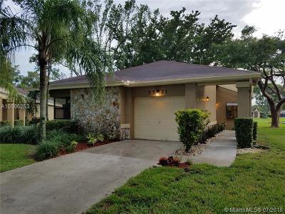 Coconut Creek Single Family Home For Sale: 2521 Calamondin Cir