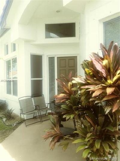 Margate Single Family Home For Sale: 3038 Marion Ave