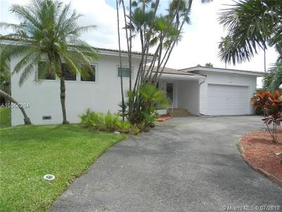 Miami Springs Single Family Home For Sale: 1032 Bass Point Rd